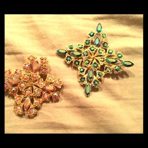 Snowflake brooches (2)